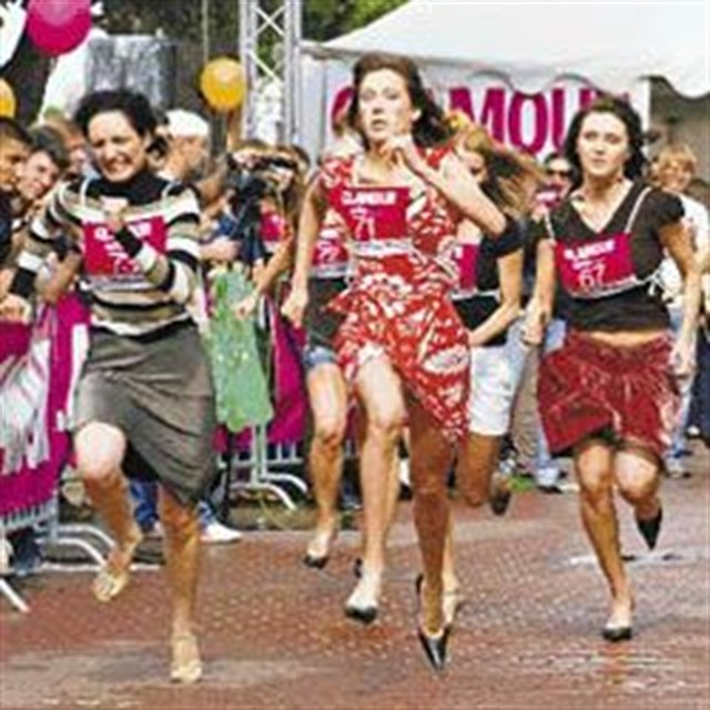 Rusların topuklu 100 metre koşusu